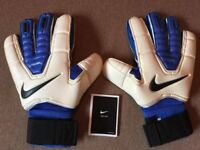 Rare Nike Goalkeeper GK Spyne  New+Bag Size 11