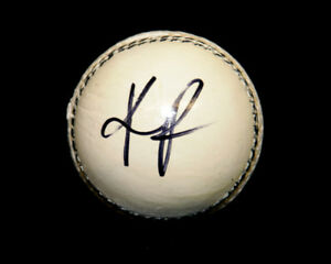 Kevin Pietersen Hand Signed White Cricket Ball : New