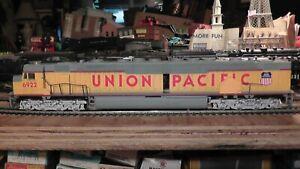 Huge Bachmann HO Scale Union Pacific DD40X Big Diesel Locomotive #6922 Runs Okay