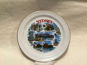VINTAGE SMALL VERY PRETTY GILDED CHINA PIN DISH WALL PLATE SYDNEY SOUVENIR
