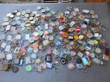 Gros lot de 187 porte-clés vintages inclusions et augis.