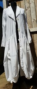 KEKOO WHITE PARACHUTE COAT QUIRKY LAGENLOOK FABULOUS.  23 INCH PIT TO PIT