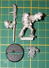 warhammer 40k chevalier gris avec halebarde space marines