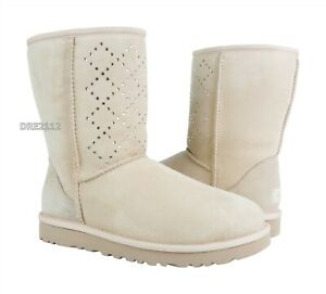UGG Classic Short Crystal Diamond Freshwater Pearl Fur Boots Womens Size 10 NIB