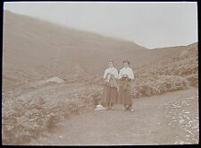 Glass Magic Lantern Slide EDWARDIAN GIRLS GRISEDALE PASS DATED 1911 PHOTO