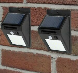 Spear & Jackson: Solar PIR Security Lights 2 Pack
