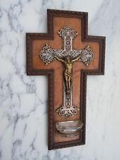 Crucifix bénitier Christ bronze sur croix métal ajouré d'époque 19ème