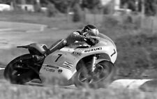 Barry Sheene Un-Signed 12x8 GLOSSY B/W photo. IOM TT. UGP. Moto GP.