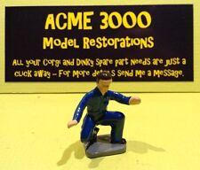 Corgi 1142 Holmes Wrecker Reproduction Kneeling Mechanic Painted Plastic Figure