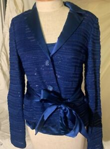 VTG St. John Evening Blue 2 Piece Petite Size 4 SEE COLLECTION LISTED NOW ❤️❤️