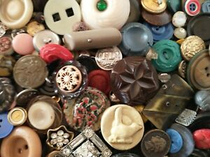 10 LBS VINTAGE SEWING BUTTONS LOT