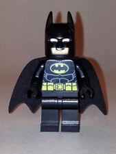 LEGO BATMAN - Batman - Black Suit w/ Yellow Belt & Crest - MINI FIGURE