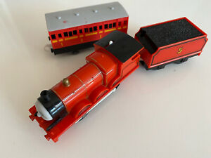 Tomy Trackmaster Thomas the Tank Engine battery train James and Tender See Desc