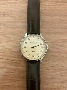 Montre Meistersinger N1, Remontage manuel, ETA 2801-2, 38mm. Bracelet en cuir