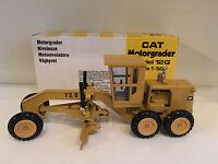 Caterpillar 12 G Motorgrader von NZG 150 1:50 OVP