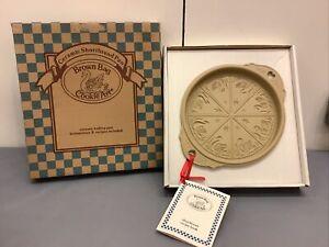 NIB 1988 BROWN BAG COOKIE ART Round Ceramic Shortbread Pan Swans