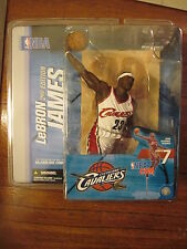 McFarlane NBA 7 LeBron James - Cleveland Cavaliers white jersey variant chase