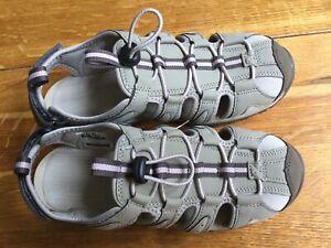 Hi-tec Cove Ladies Walking Shoes Size 6 New