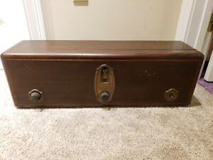 Antique 1928 Early RCA Radiola 18 Model AR936 Mahogany Tube Radio Table Radio