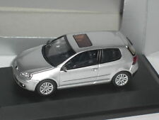 SCHUCO VW GOLF V SILBER 1:43
