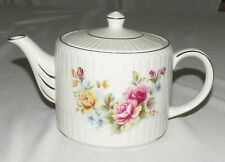 Wood Ellgreave Teapot - Red & Yellow Roses, Gold Trim - England - Excellent