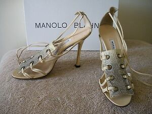 OH MY~~! NIB $635 MANOLO BLAHNIK Mules Ivory Reptile Snake Lace Sandals Shoes 7M