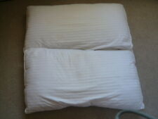 Pair of Superking Pillows - polyester filling - Washable
