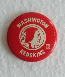 Vintage 1969 WASHINGTON REDSKINS NFL Football Team PINBACK BUTTON Lar Lu Line