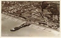 Sussex Vintage Postcard, Hastings sea front, Pier and Bowling Greens JU5