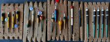 lot N°23 de 19 lignes montées avec 19 flotteurs anciens de pêche années 50-70