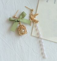 E557 BETSEY JOHNSON Gold Bird Cage with Dove Tassel Pearl W/ Ribbon Earrings UK