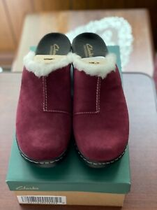 Clarks Bendables Lexi Carousel Suede Clogs w/ Shearling A217636 11M Wine