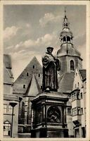 Lutherstadt Eisleben DDR s/w AK 1953 Partie am Luther Denkmal Kirchturm Häuser