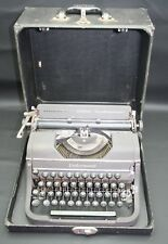 Vintage Underwood Universal Typewriter w/ original case - Key is not included