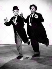 MOVIE FILM LEGENDS LAUREL HARDY SILENT COMEDY DANCING POSTER ART PRINT LV10154