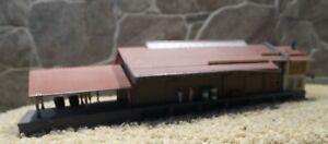 Kibri    6744    (Spur Z)    Güterhalle - fertig gebaut