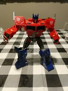 Transformers Optimus Prime Cyberverse Ultimate Class Figure Matrix 2017 Hasbro