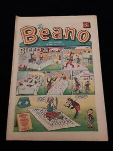 Beano Comic 1242. May 1966. Eric Clapton Blues Breakers edition. Excellent.