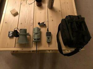 FOXPRO CS24 C Model Digital Caller, with TX1000 Remote and Jackdaddy decoy
