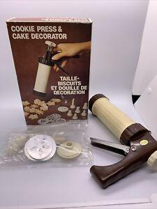 Vintage Fox Run Cookie Press Cake Decorator Kit Pistol Grip Action Cookie Gun
