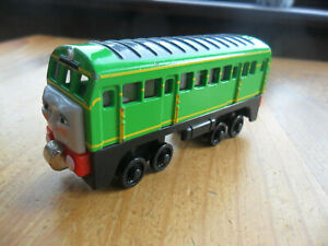 Take Along n play Thomas Tank & Friends Train - DAISY - POST DISCOUNTS!!