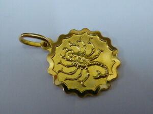 Stunning 18ct Gold Scorpion Pendant