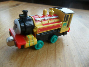 Take Along n play Thomas Tank & Friends Train - YELLOW VICTOR - POST DISCOUNTS!!