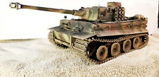 BUILT 1/25 TIGER 1 EARLY VERSION GERMAN PANZER WW 2 TANK PROFESSIONALLY BUILT