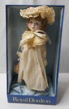 Royal Doulton Nisbet Saturdays Fille Porcelaine Poupée Fabriqué en Angleterre W//