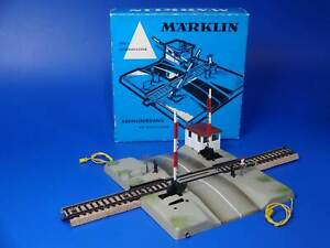 MARKLIN H0 - 7192 - FULLY AUTOMATIC LEVEL CROSSING - M Track (44)/ BOX - EXC