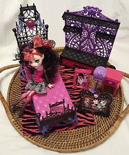 Monster High Lot Draculaura doll with Monster High Bedroom Set