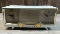 Vtg Zenith 5 Tube AM Clock Radio Model -B516-. 1960s Mid Century