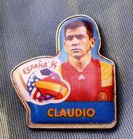 PIN FUTBOL ESPAÑA 94 JUGADOR CLAUDIO. CHAMBOURCY