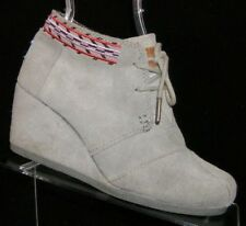 TOMS 'Desert' gray suede lace up round toe wedge ankle boot booties 6 6307
